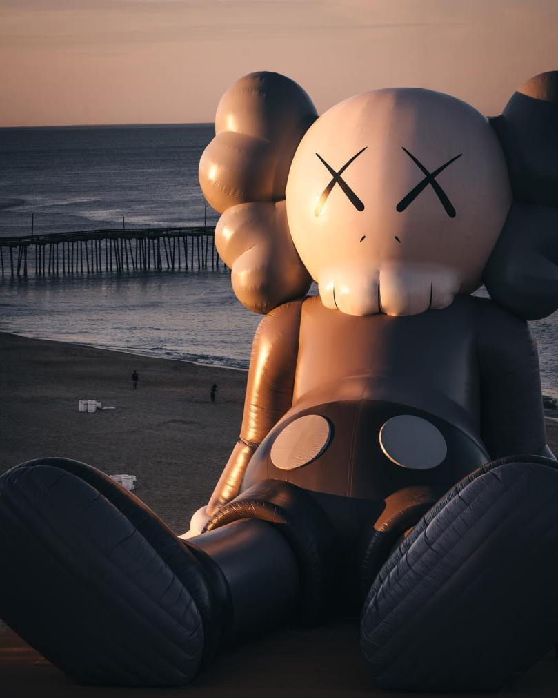 KAWS-HOLIDAY-virginia-beach-Collater.al-4