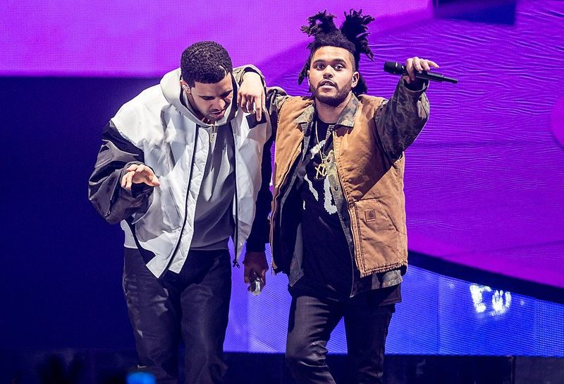 drake-and-the-weeknd-performs-during-the-nothing-was-the-same-2014-world-tour-800x544